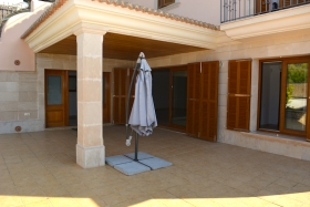 Spacious apartment with high quality equipment in La Bonanova