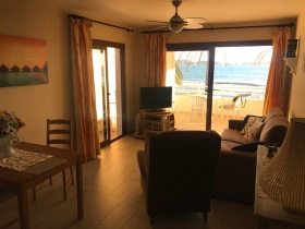 Apartment on the seafront in Peguera