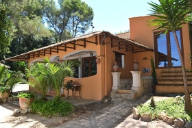 Finca with charm and spectacular views in Algaida