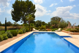 Charming totally independent finca