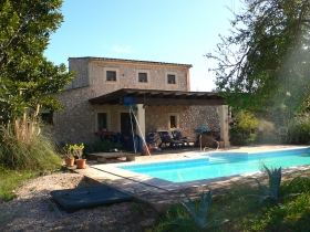 Sold! Elegant natural stone house with mountain views near Montuiri